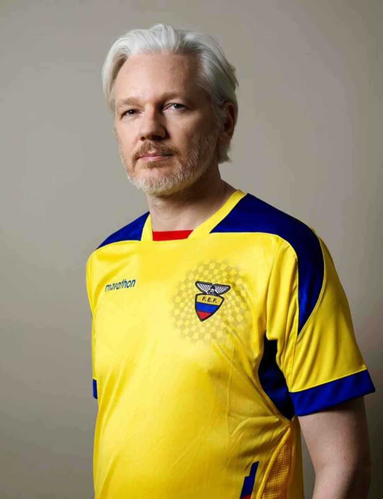 Ecuador naturaliza a Julián Assange