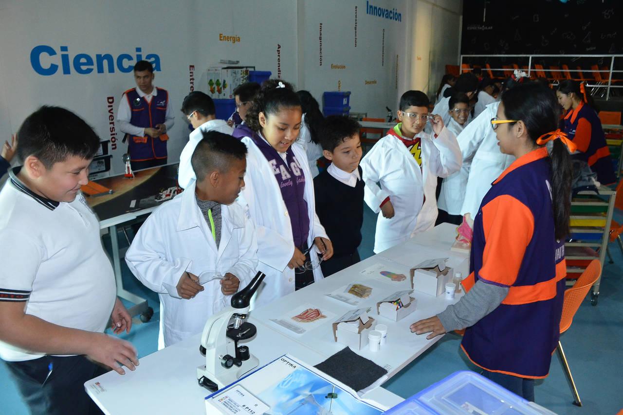 Planetarium recibe equipo del Conacyt