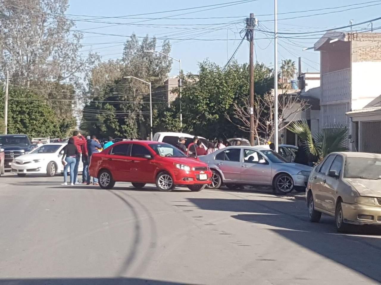 Encuentran dos cuerpos en cajuela de un vehículo en Torreón