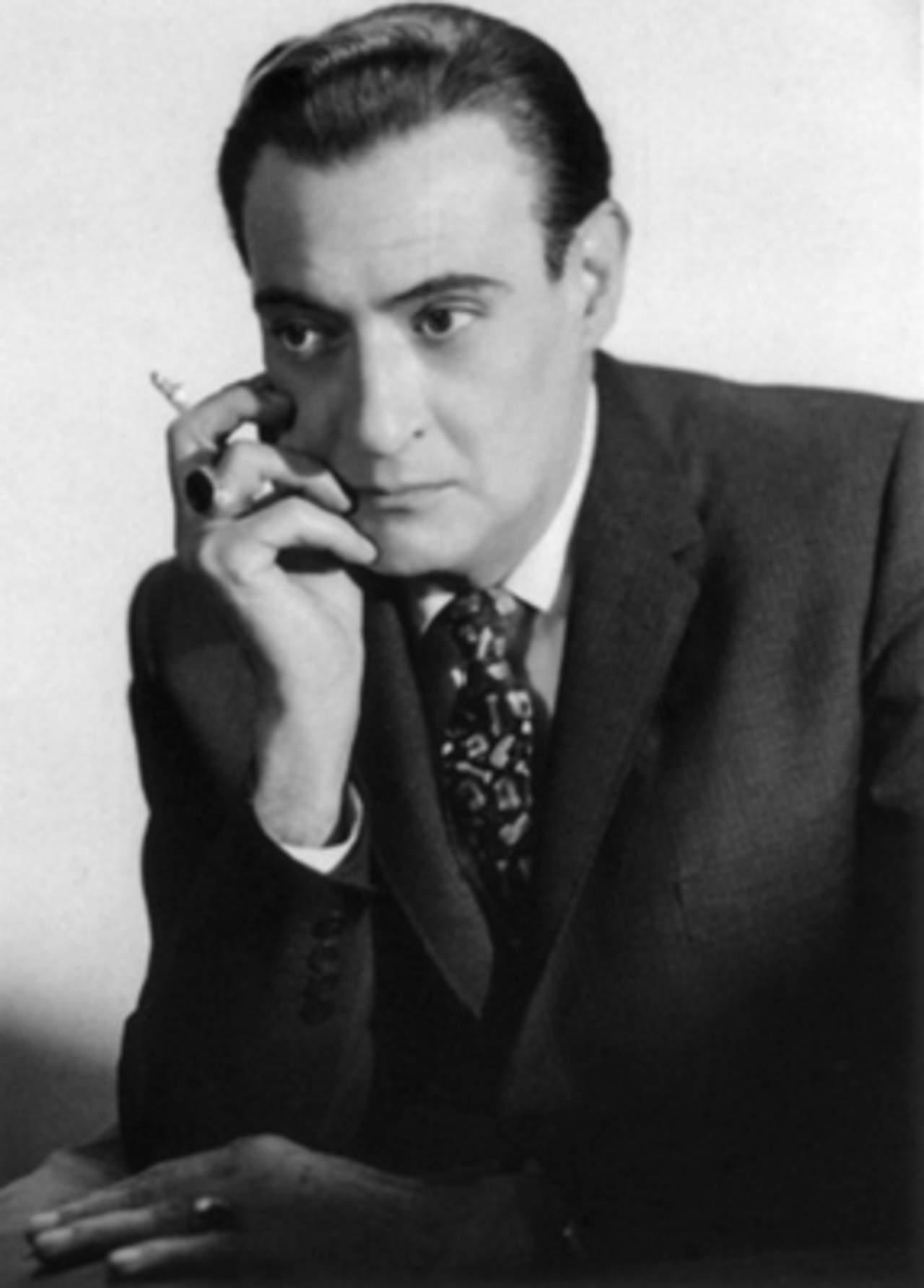 1974: Da su último respiro Salvador Novo, destacado escritor y poeta mexicano