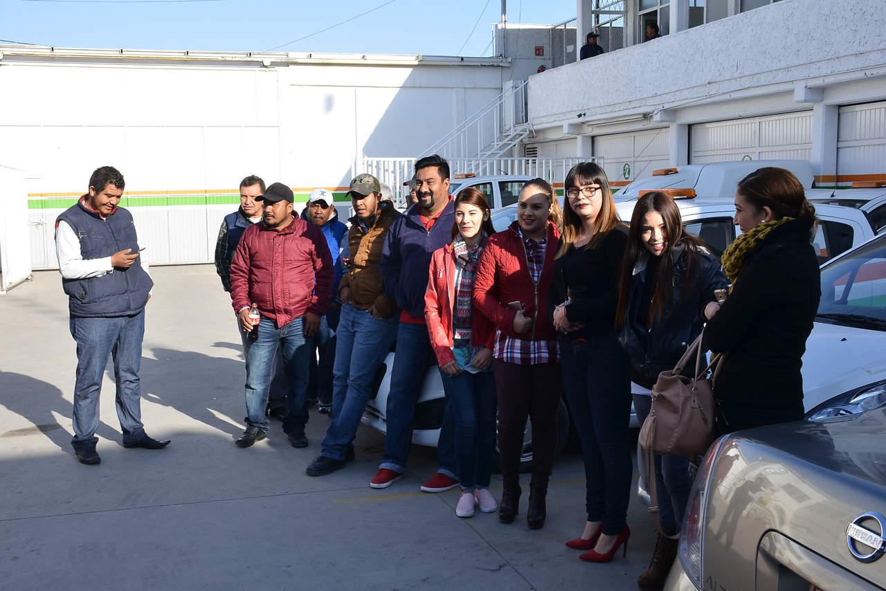 Empleados de confianza del Simas protestan por tardanza en su pago