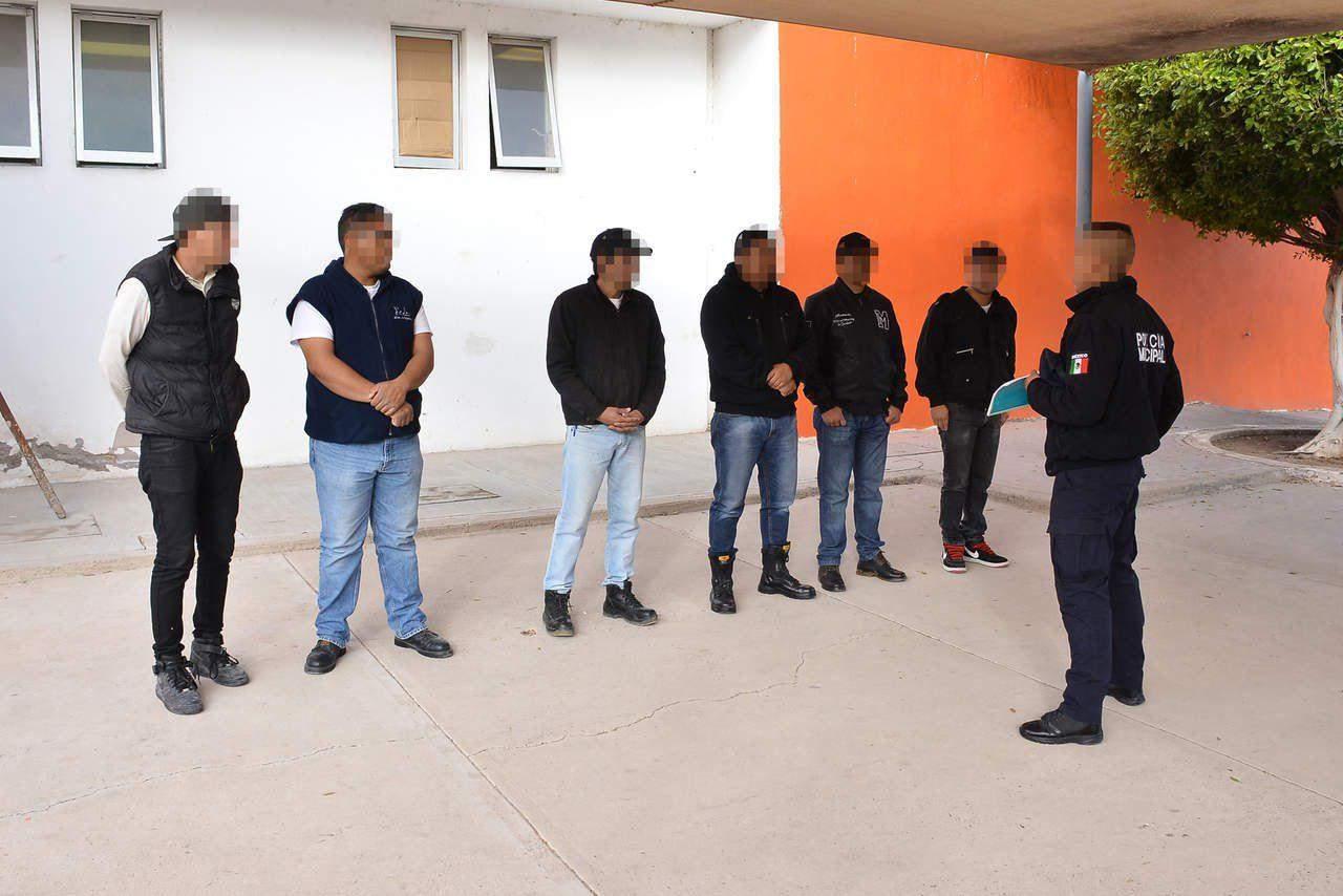 Pagan becas de los aspirantes a policías