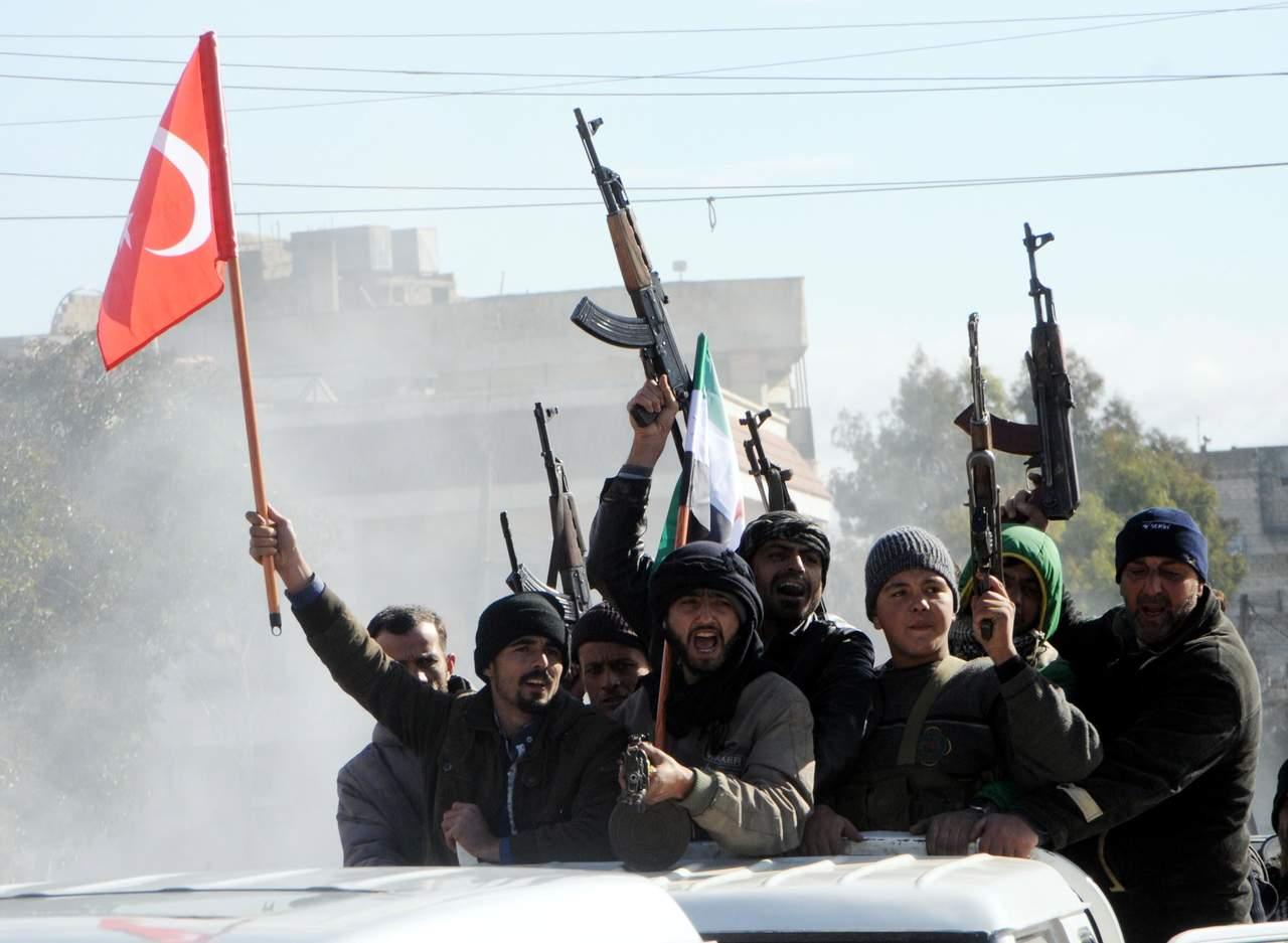 Turquía lanza ofensiva contra militantes kurdos