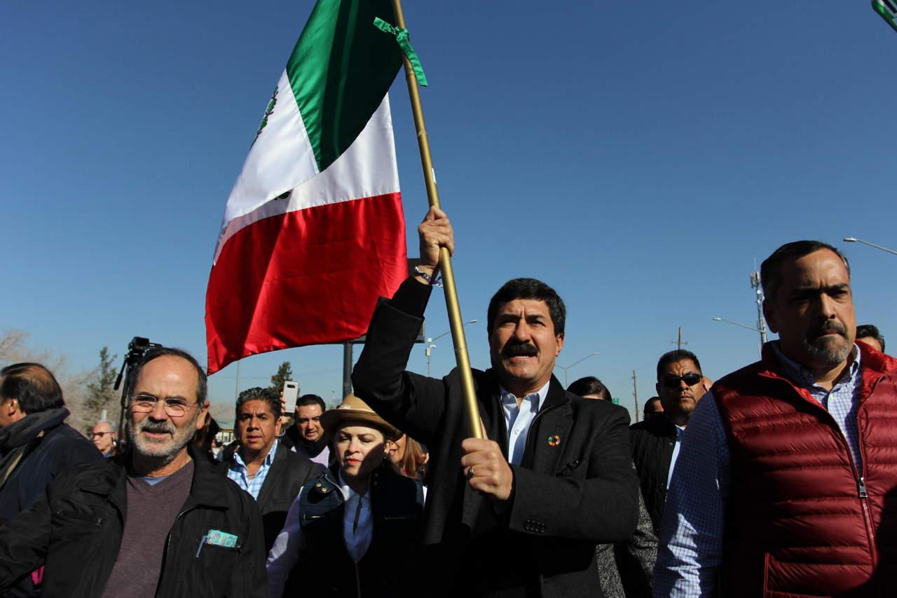 Inicia Javier Corral marcha hacia la Ciudad de México