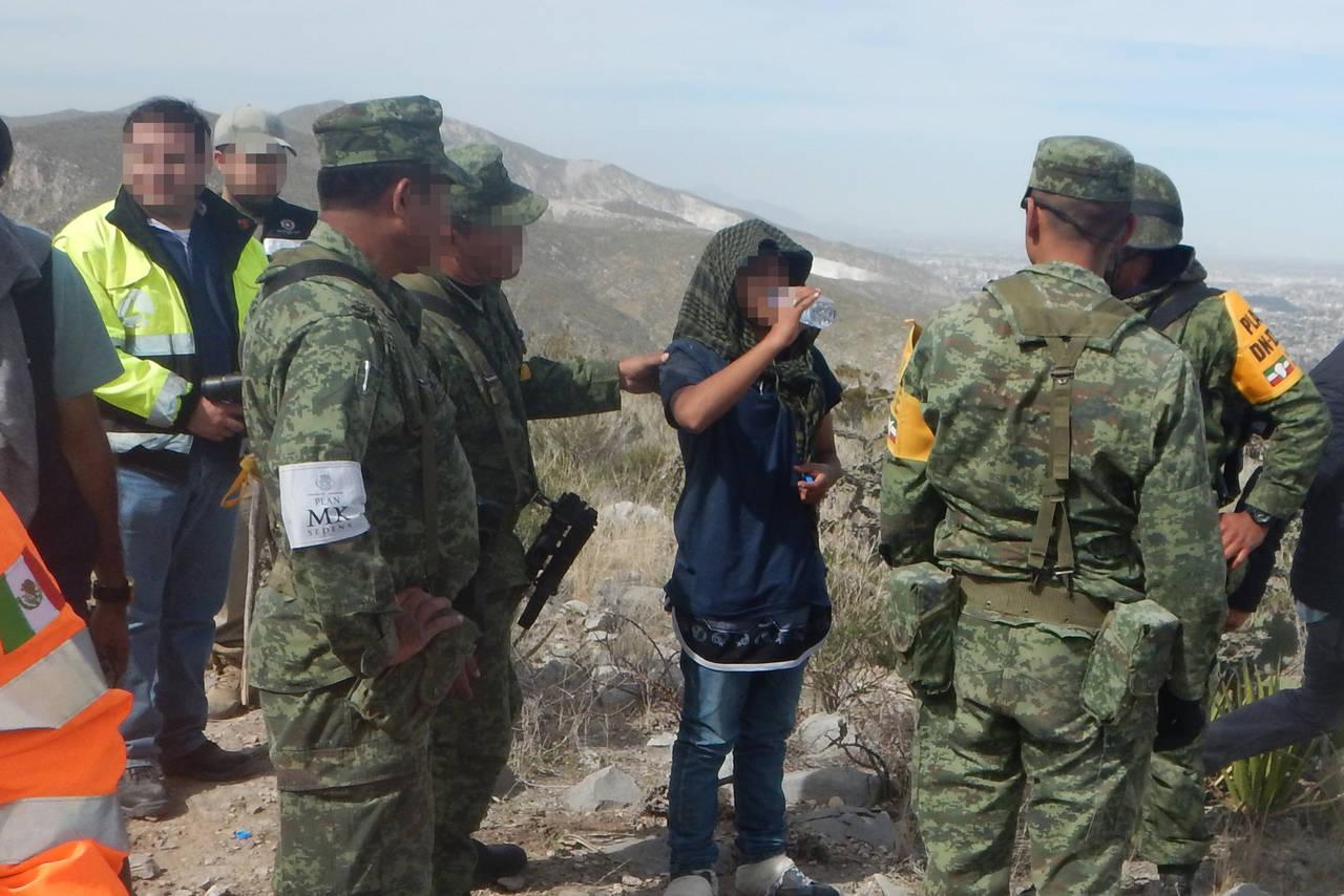 Rescatan a tres menores del Cañón del Indio