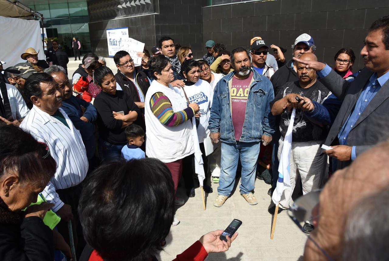 Panistas realizan manifestaci n a zerme o en la presidencia torre n - Toldos galindo ...