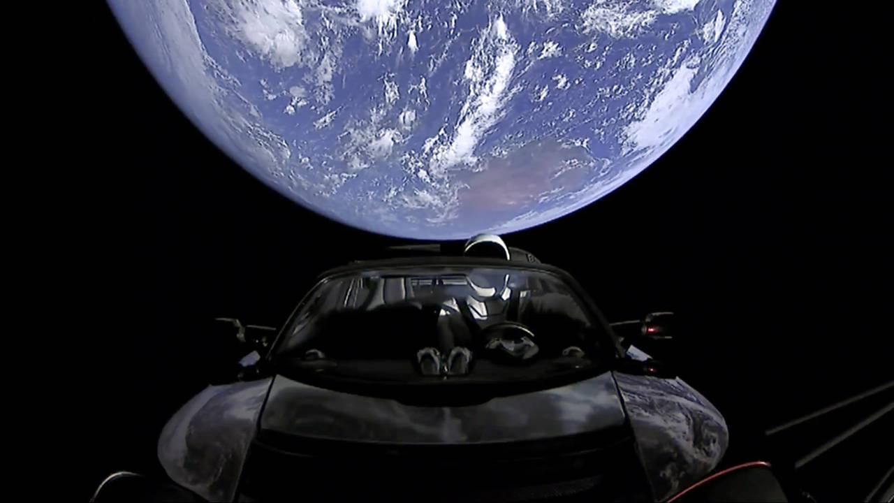 Viaja un auto con rumbo hacia Marte