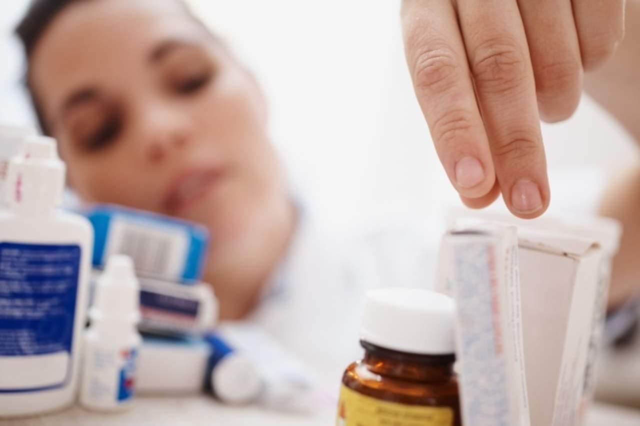 Automedicarse puede ocultar una enfermedad real