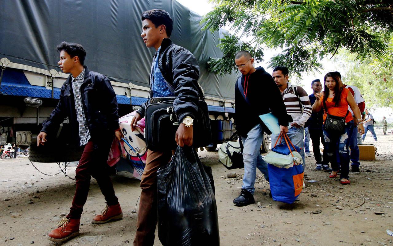 Refuerzan fronteras con Venezuela por éxodo