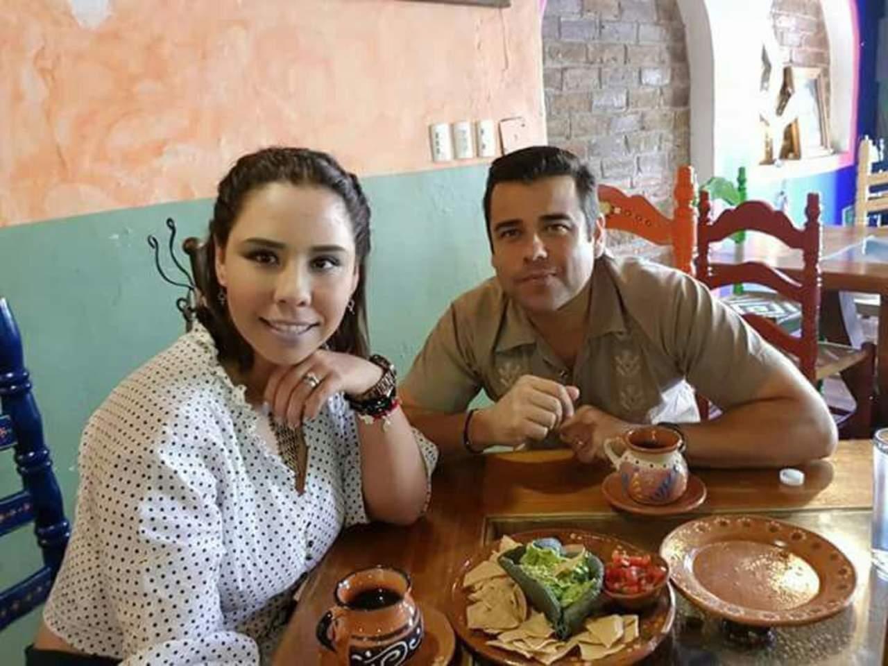 Graves, exalcalde de Morelos y su pareja tras volcadura