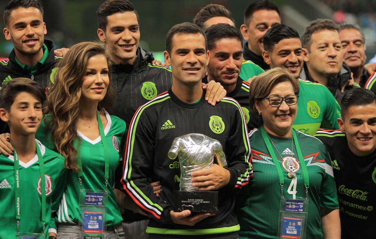 Celebran a Rafael Márquez por su cumpleaños 39