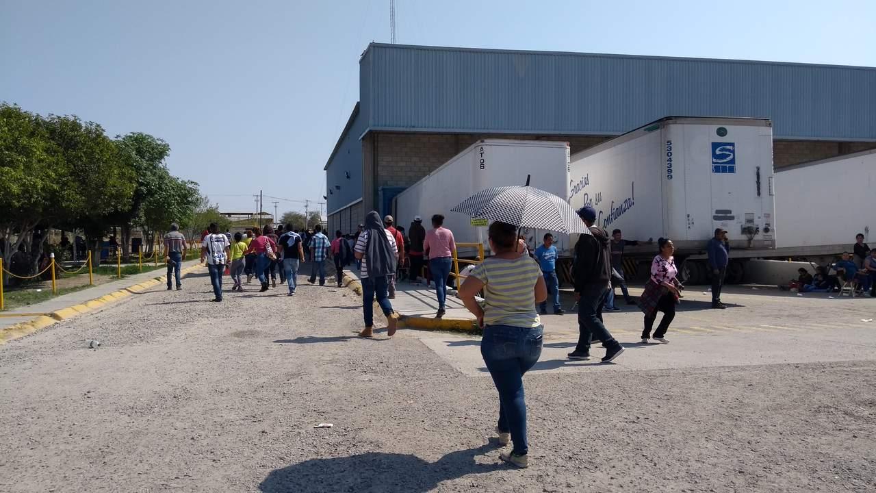 Intentan desalojar a trabajadores que mantienen paro en ejido Glorieta