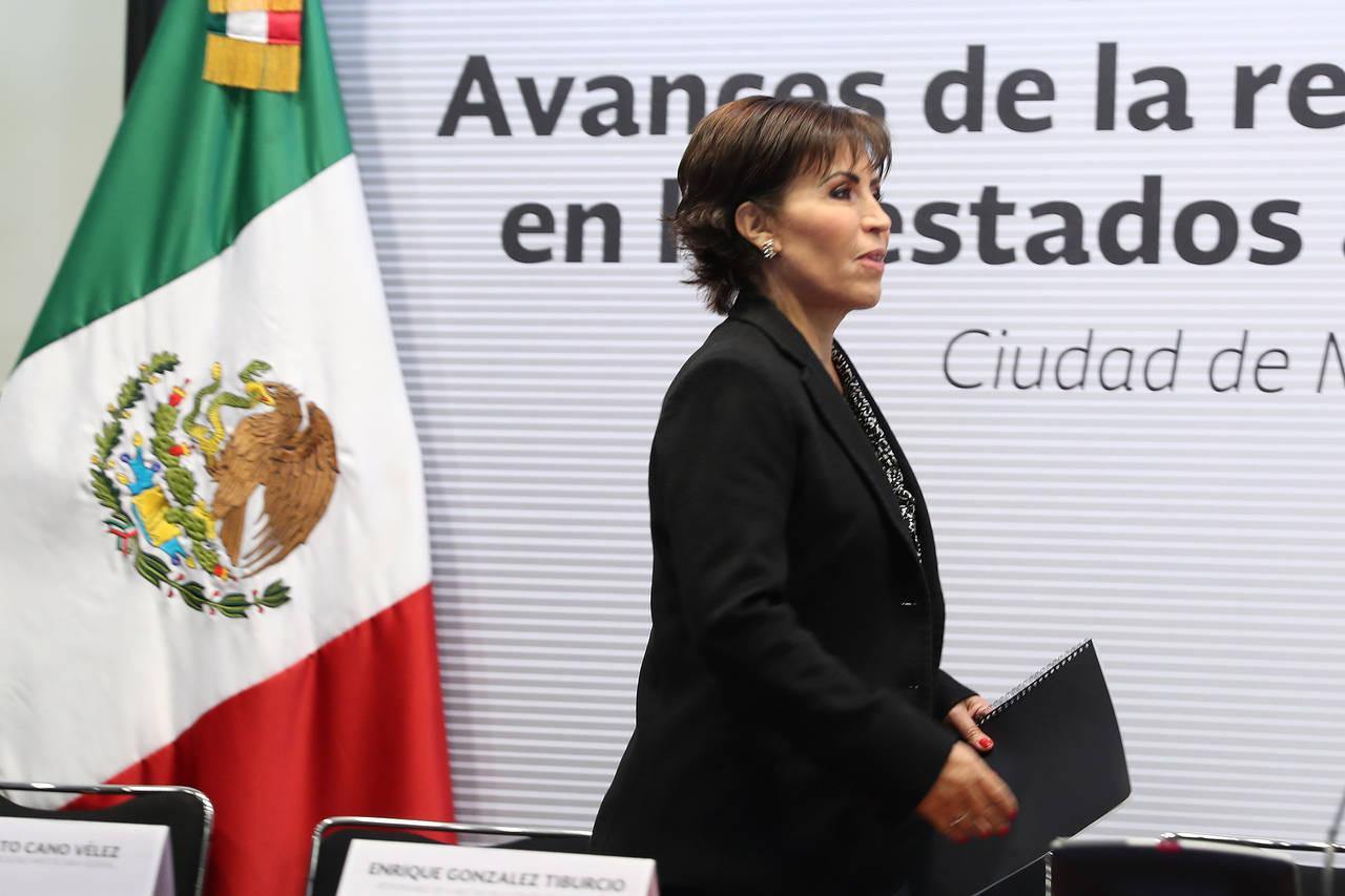 Crece polémica de Robles y de desvíos
