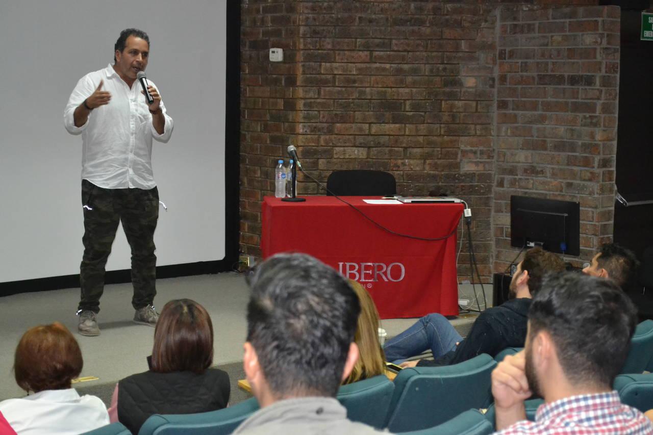 Loza habló en Torreón de amenazas recibidas