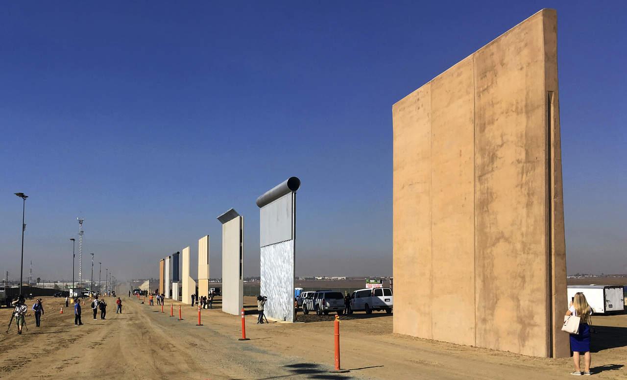 Comienza Trump su muro