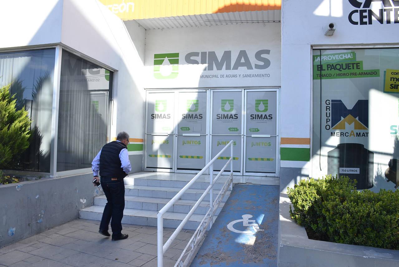 Gerente de Simas se va contra empleados