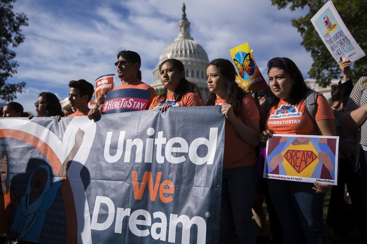 Prohíben a Gobierno de Trump revocar DACA sin opción de defensa
