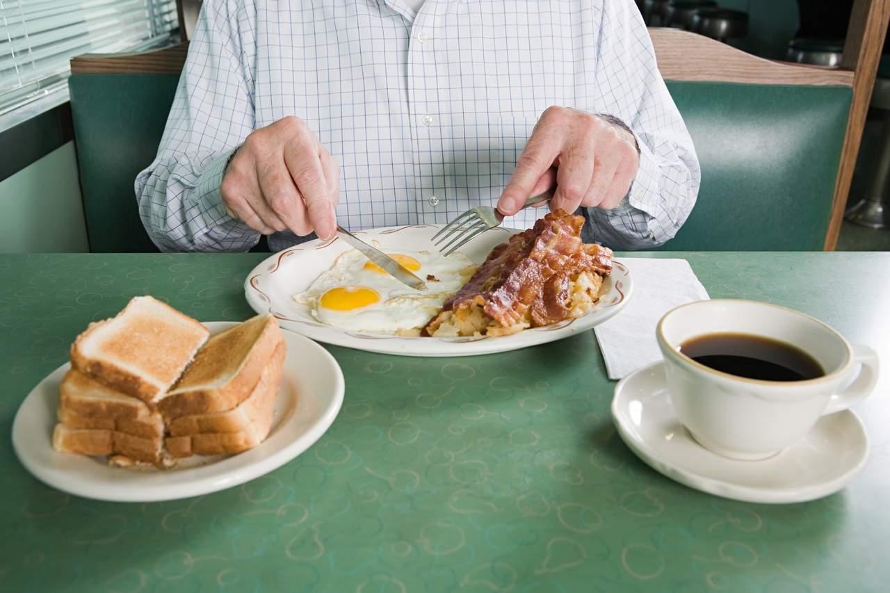 Comer lento sí tendría impacto en bajar de peso