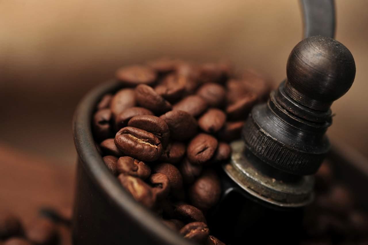 Café en exceso puede provocar ansiedad, irritabilidad y estrés