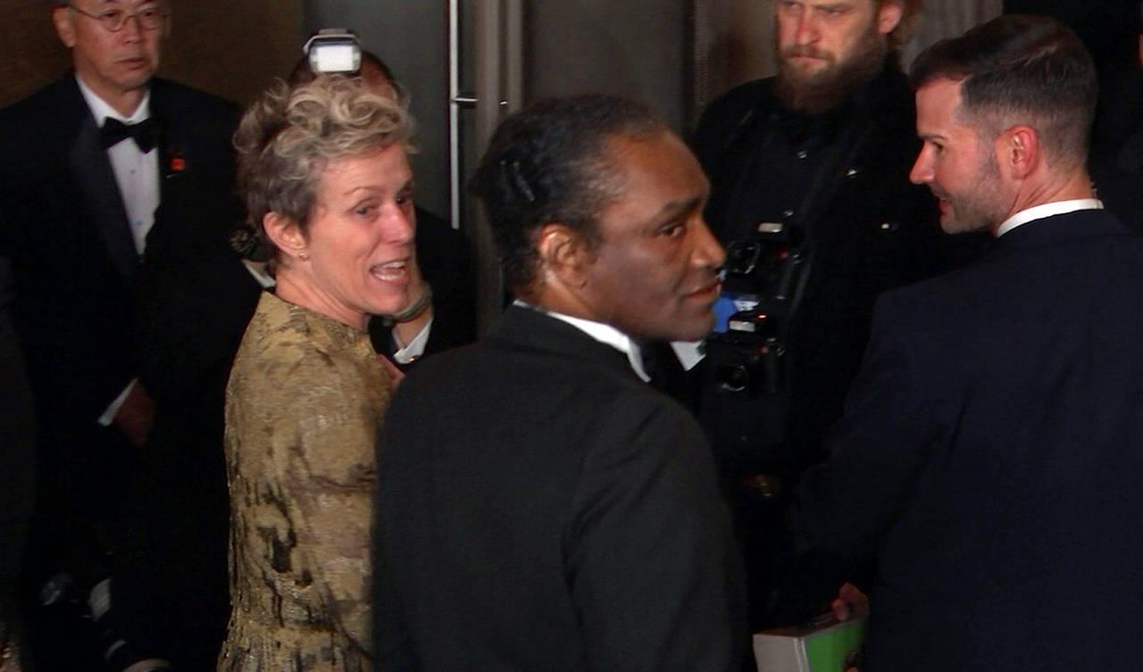 Peleará cargo acusado de robar Oscar