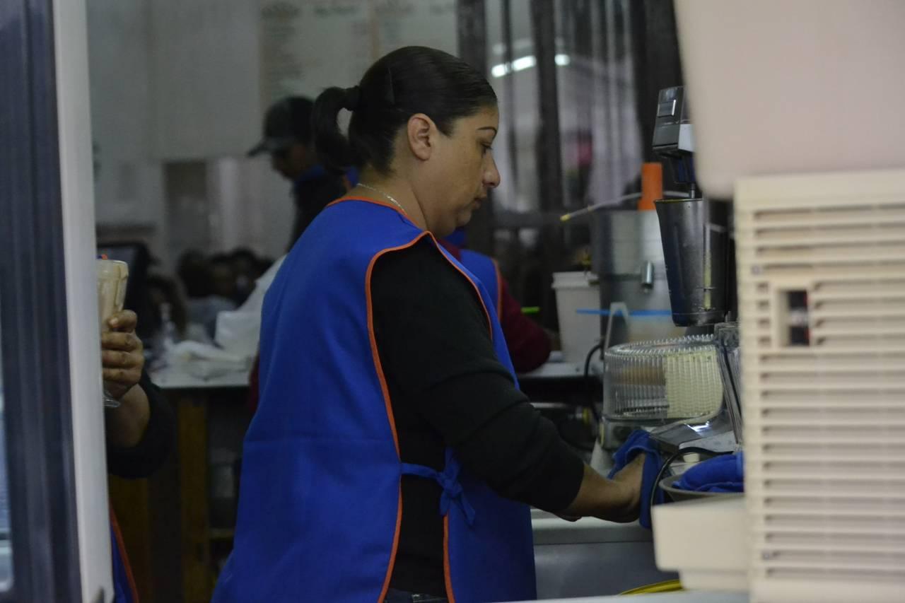 Mujeres padecen inequidad salarial