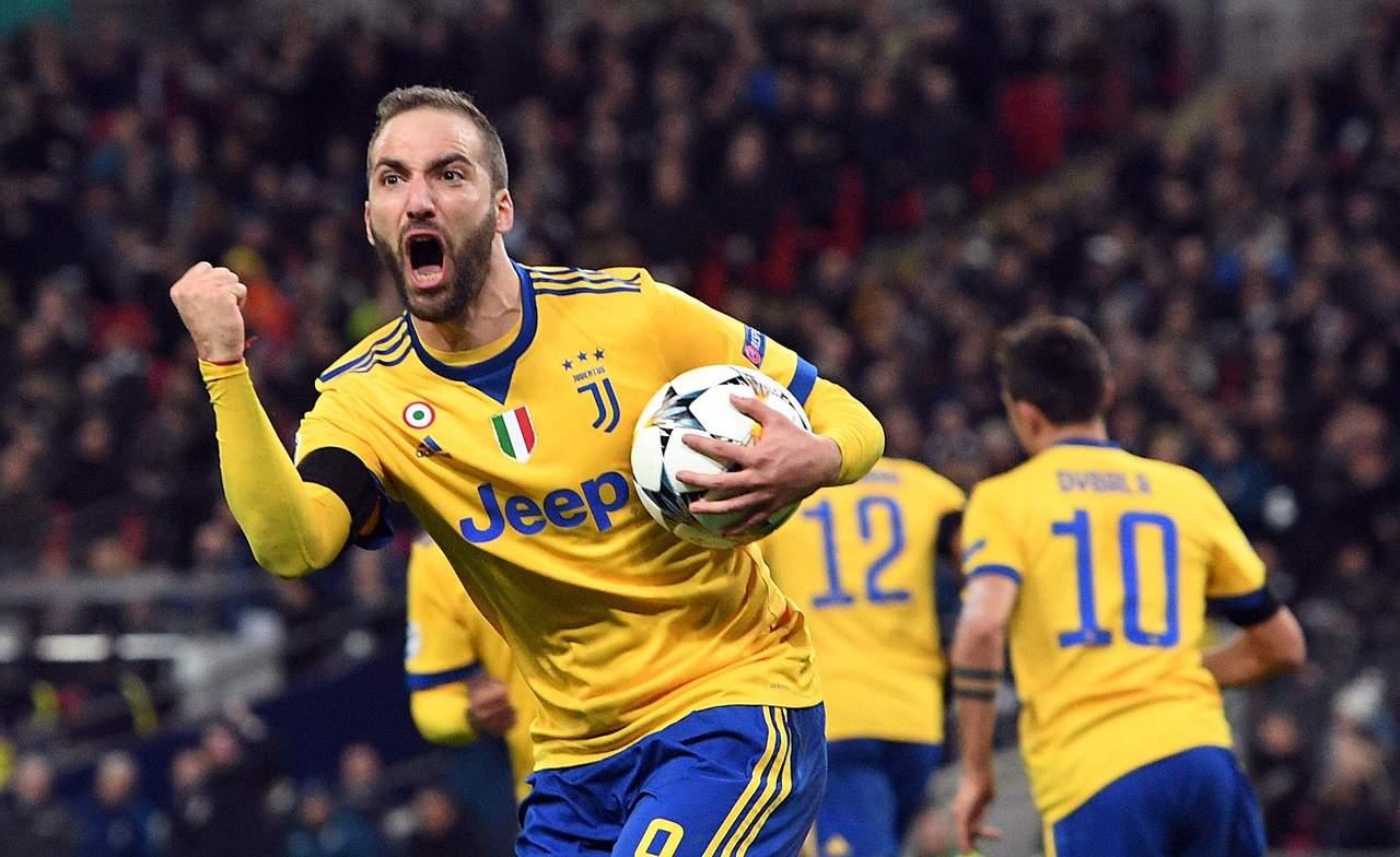 Juventus da lección de grandeza en Champions