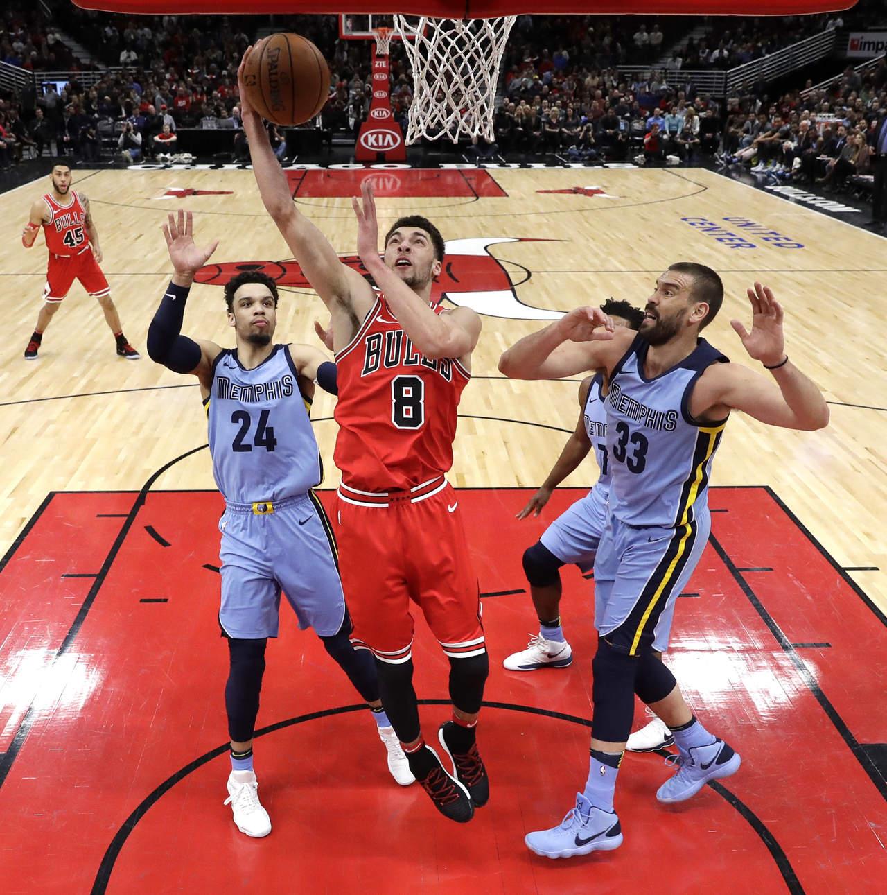 Bulls resisten y vencen a Grizzlies
