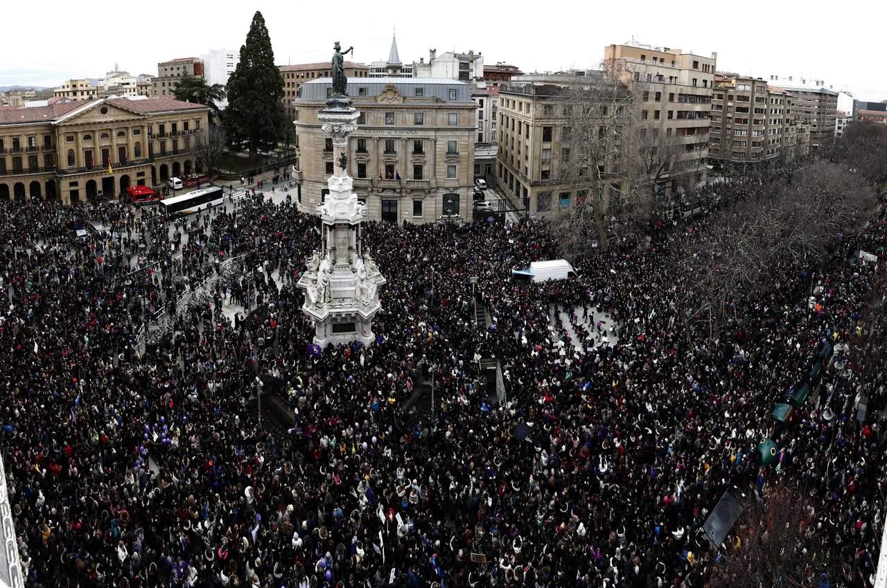 Conmemora España Día de la Mujer con huelga feminista