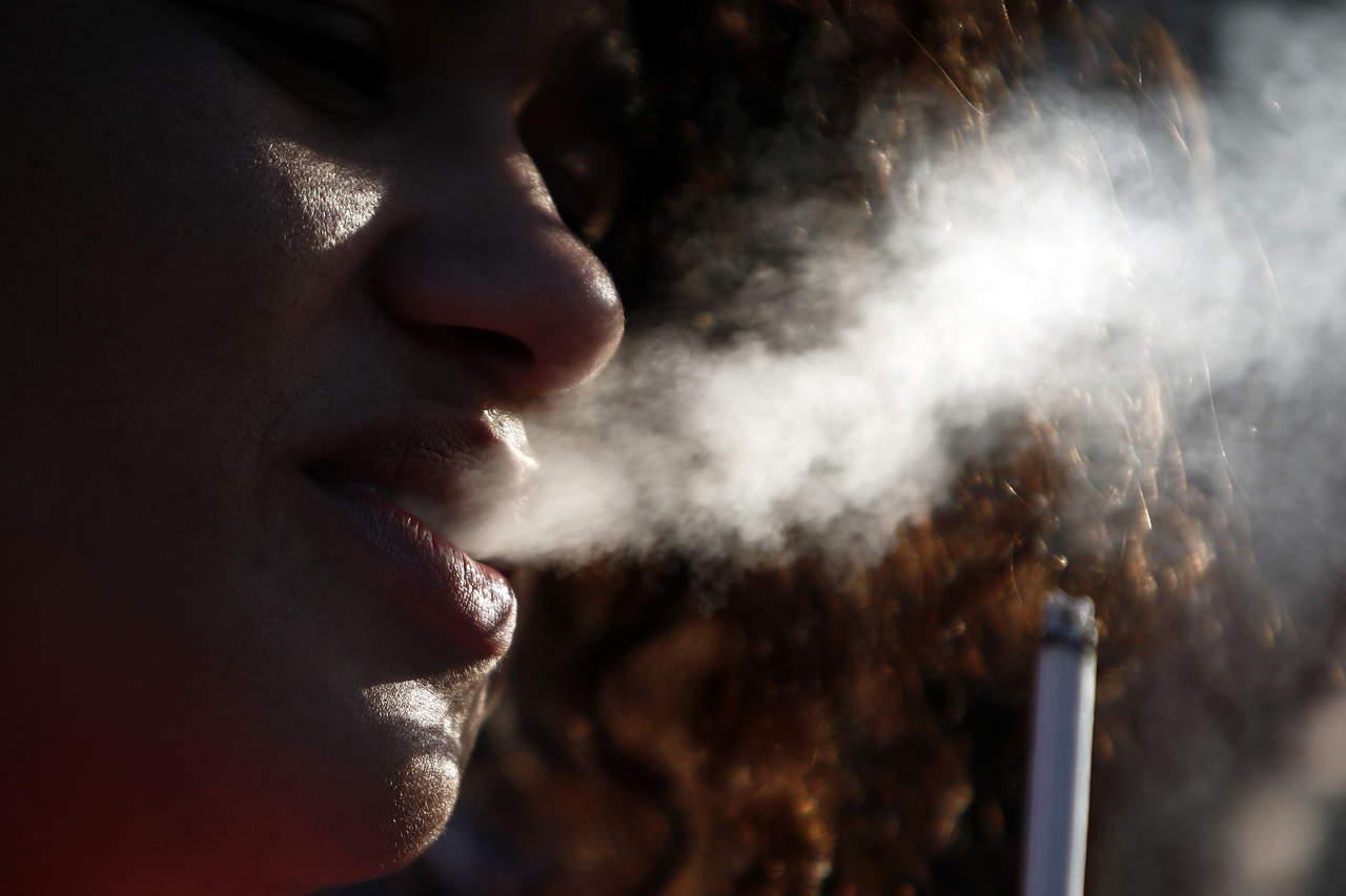 Demandan atender tabaquismo desde pespectiva de género