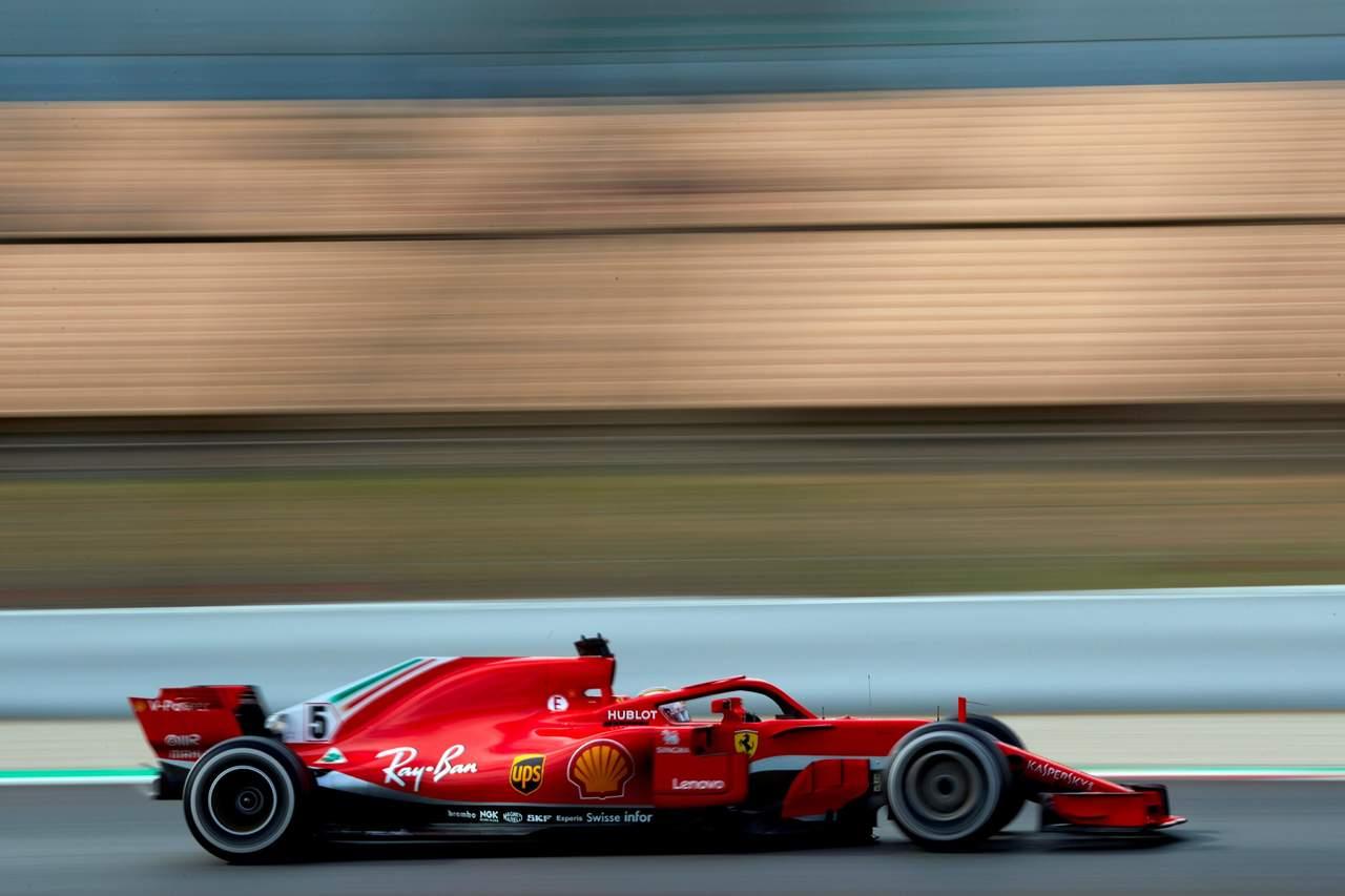 Vettel impone récord y desplaza a Ricciardo en pruebas de F1