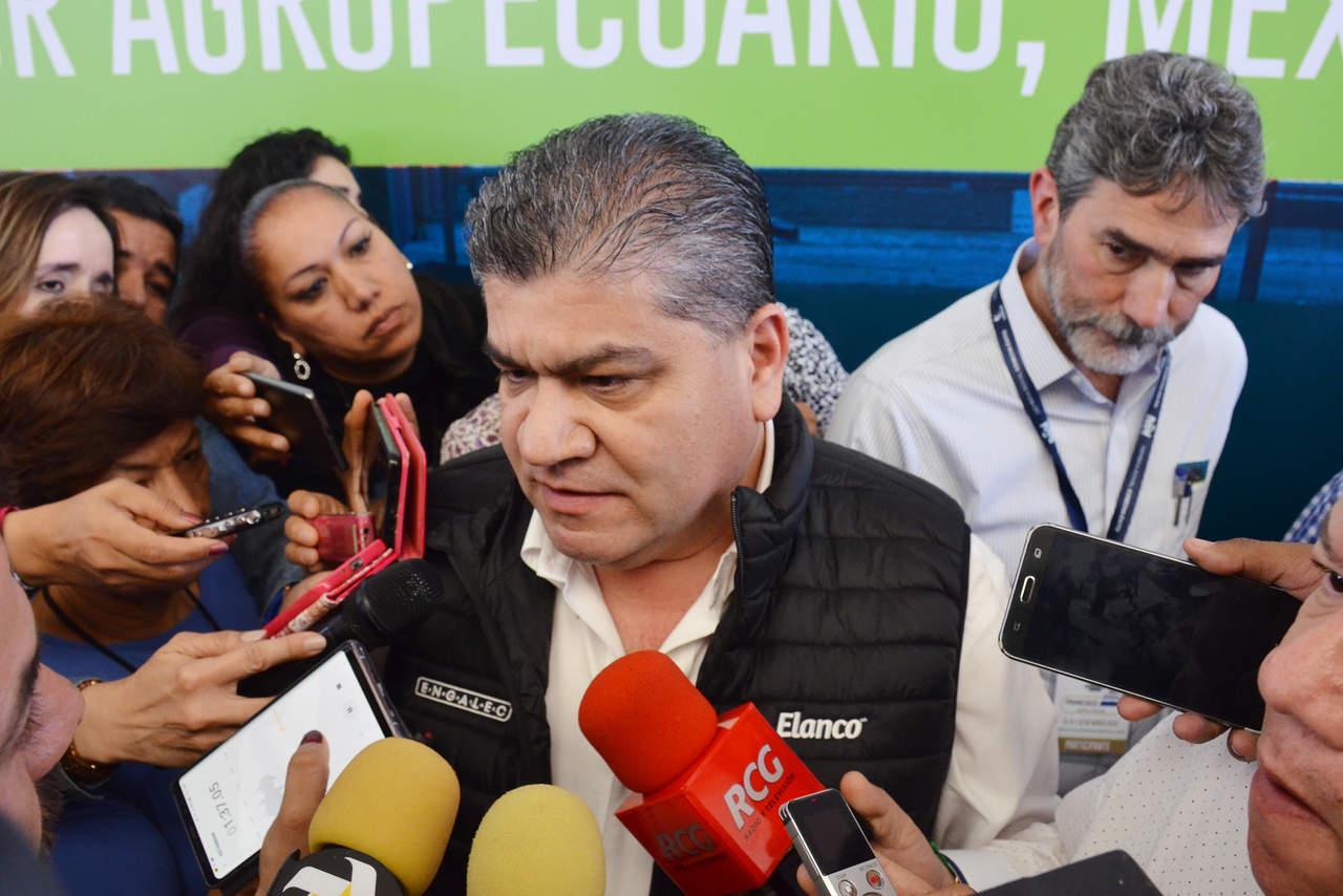 Promete Riquelme apoyos por 900 mdp a productores; inaugura Engalec