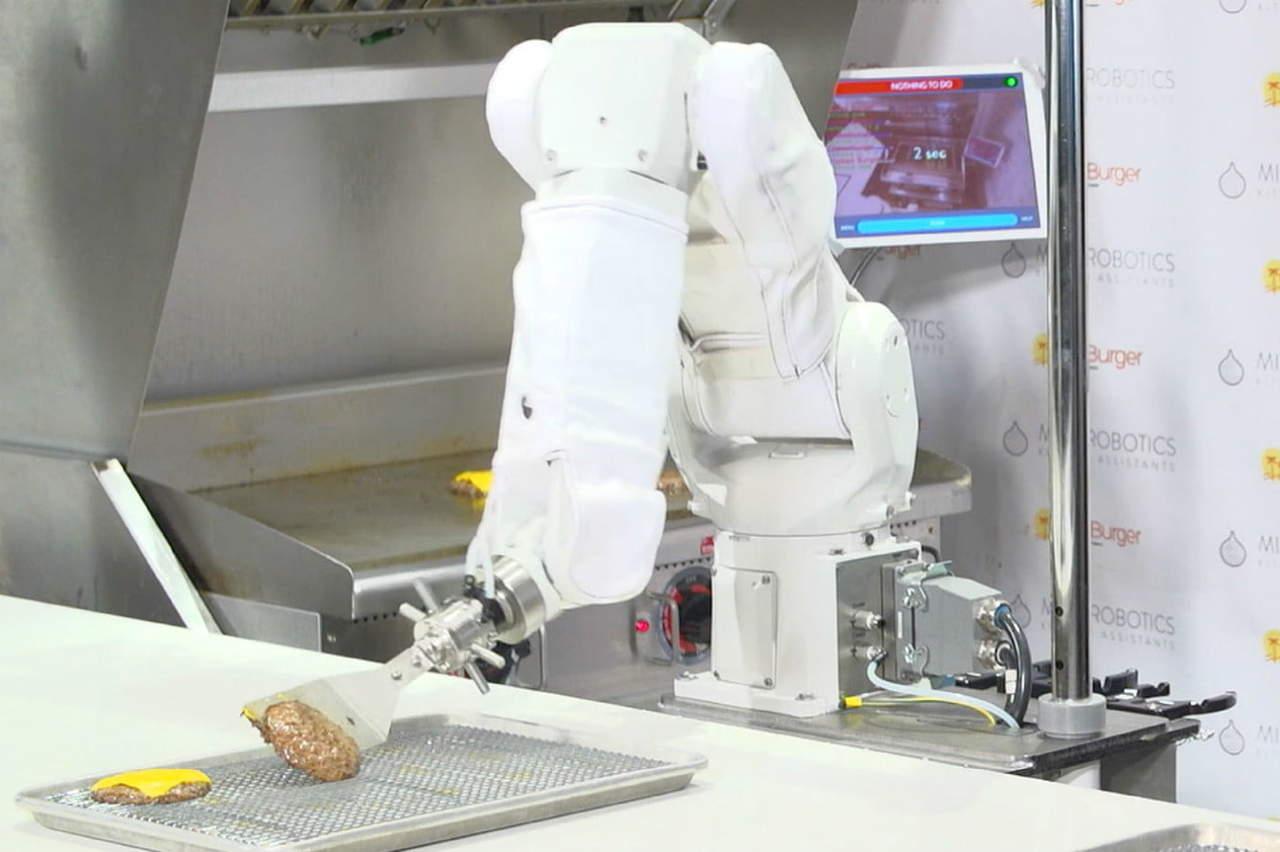 Robot es despedido en su primer día de trabajo por 'lento'