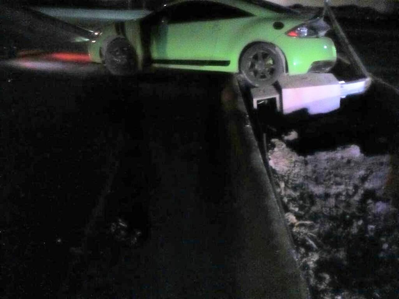 Conductor ebrio derriba luminaria en Torreón