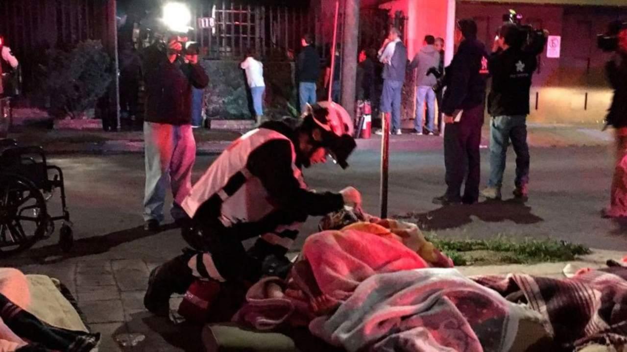 Dos mujeres mueren durante incendio en asilo de Monterrey