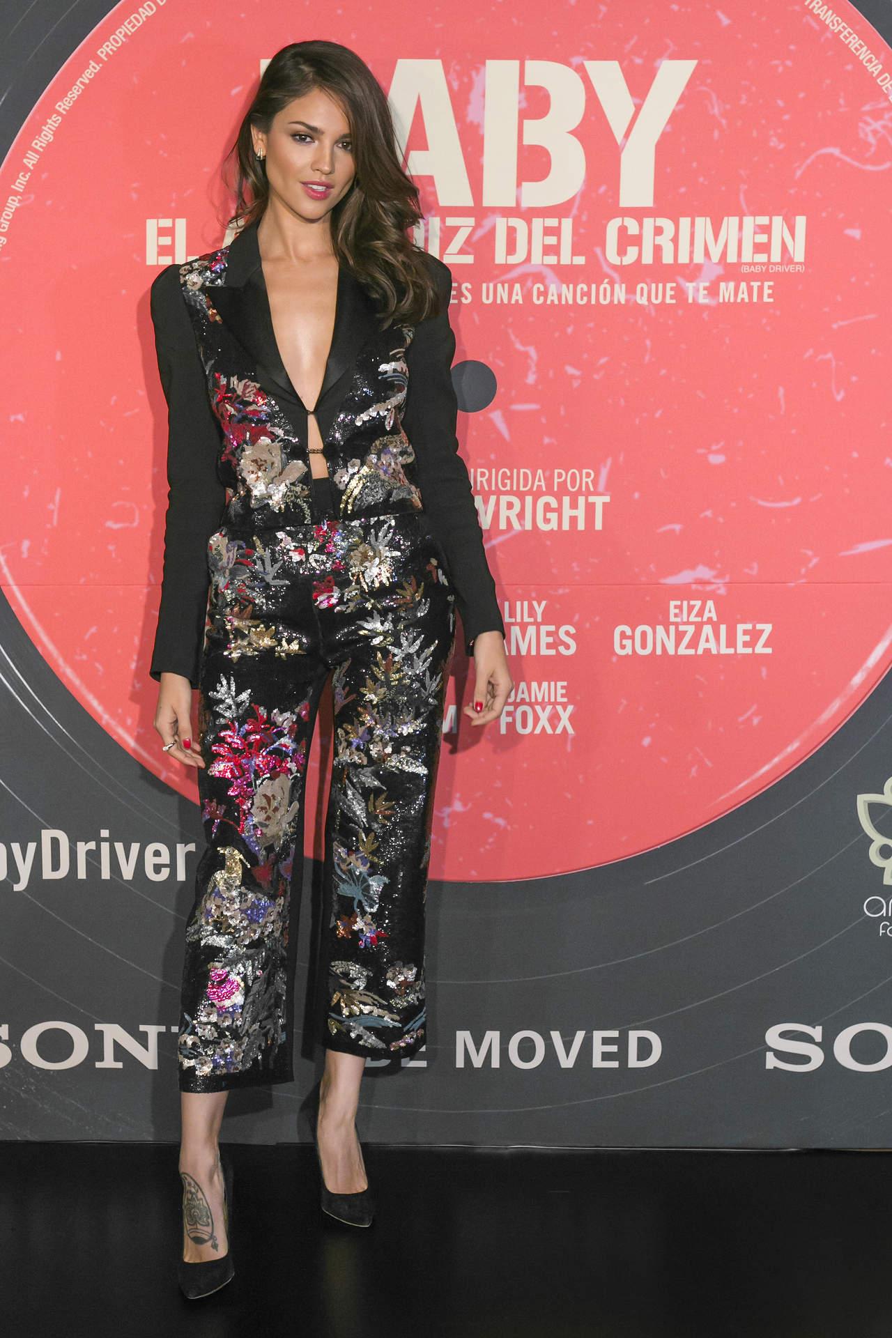 Mhoni Vidente revela boda de Eiza González