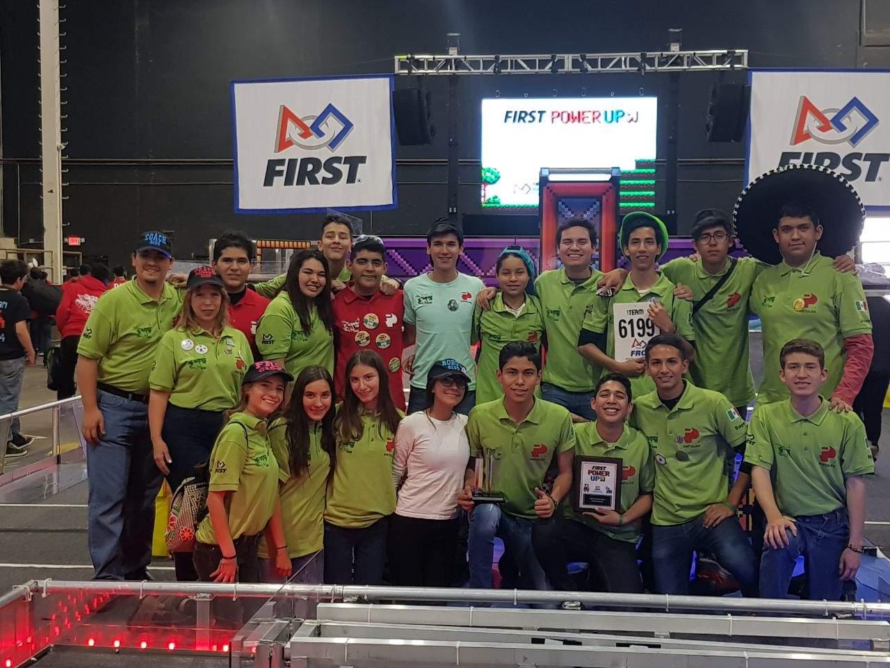 Amarra la UAL premio en competencia FIRST