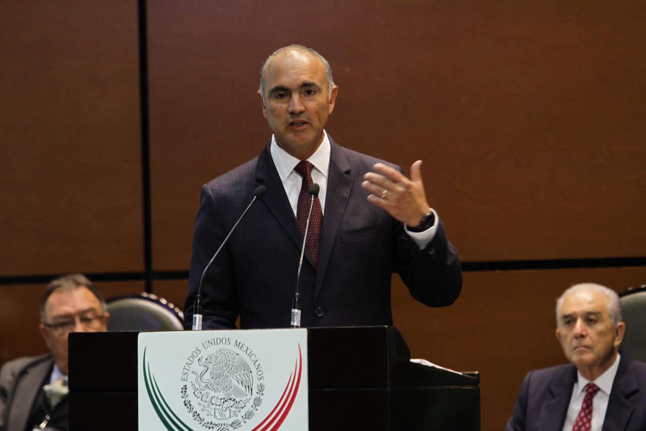 Renuncia José Calzada Rovirosa como titular de Sagarpa