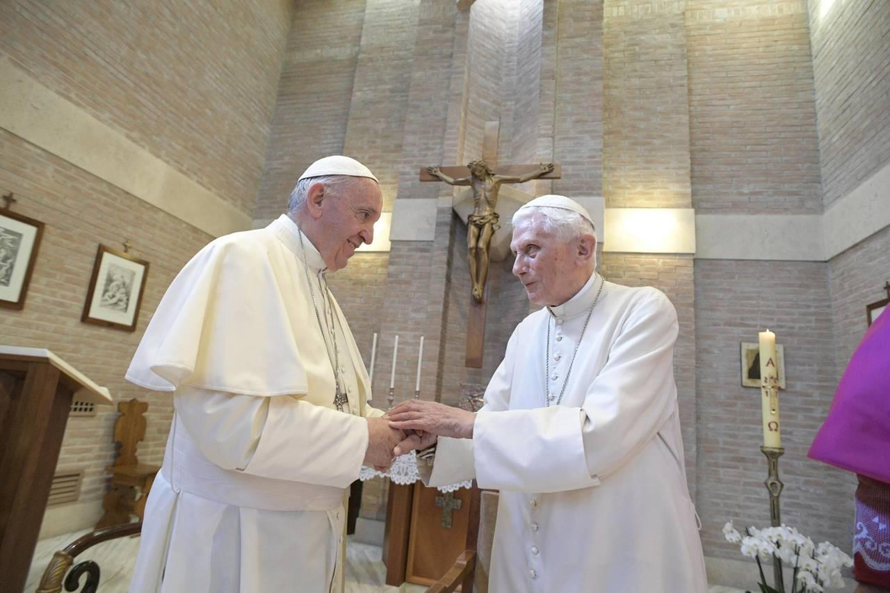 Divulgan carta de Benedicto XVI sobre Papa Francisco