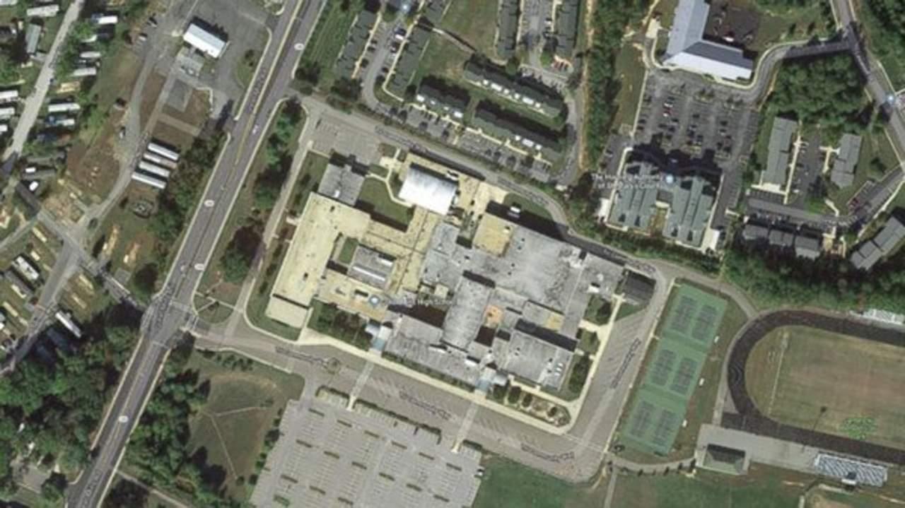 Reportan tiroteo en escuela de Maryland