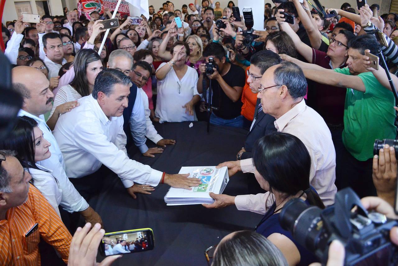 Gutiérrez Jardón se registra a la contienda