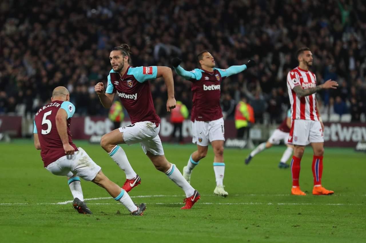 Con 'Chicharito', West Ham empata ante Stoke City