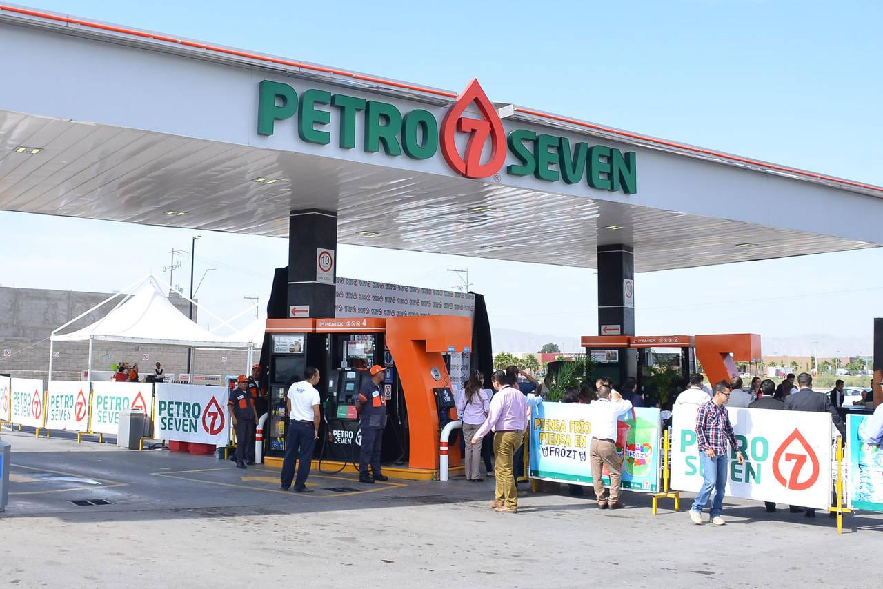 Arrecia competencia; abre Petro-7 estación