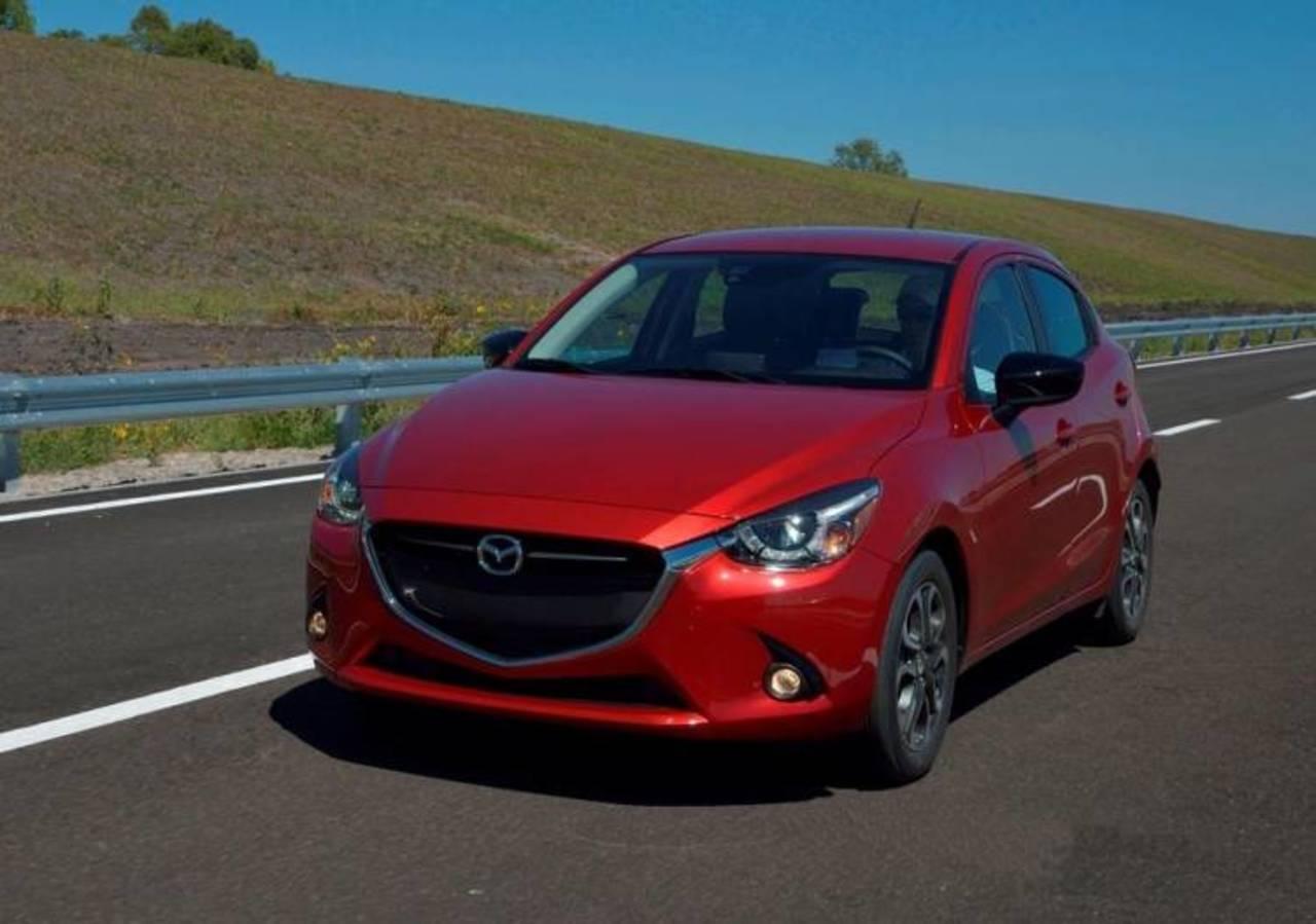 Mazda 2 busca