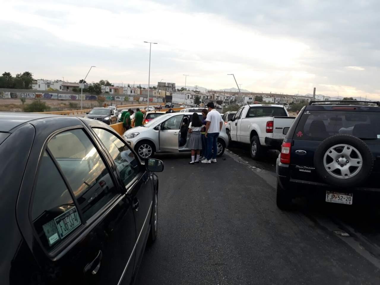 Se registran 3 accidentes en puente; 12 vehículos se vieron involucrados