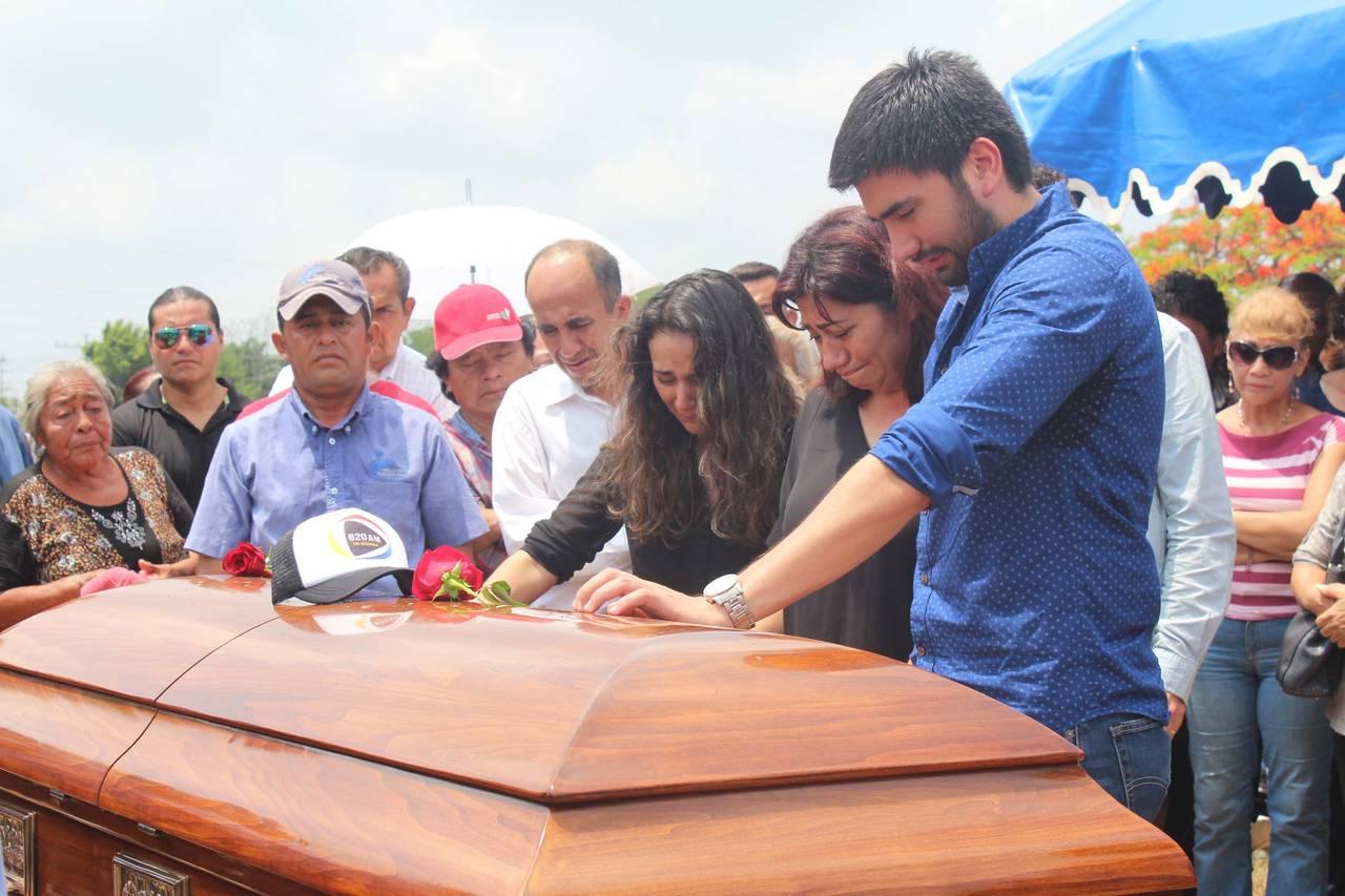 Urgen a esclarecer asesinato de Huerta