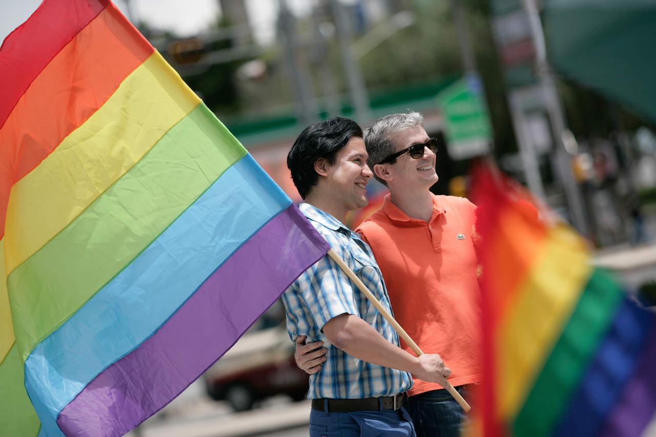Pide CNDH reconocer legalmente el matrimonio igualitario en México