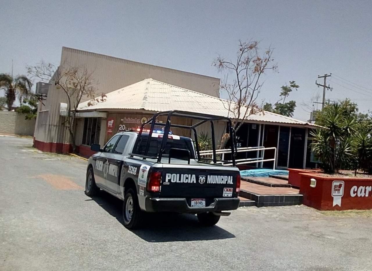 Sujetos armados asaltan negocio de venta de carnes en Torreón