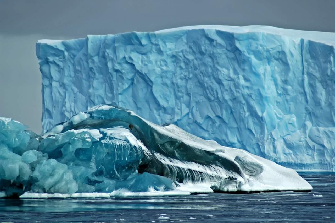 Consideran que el iceberg más grande en la Antártida llega a su fin