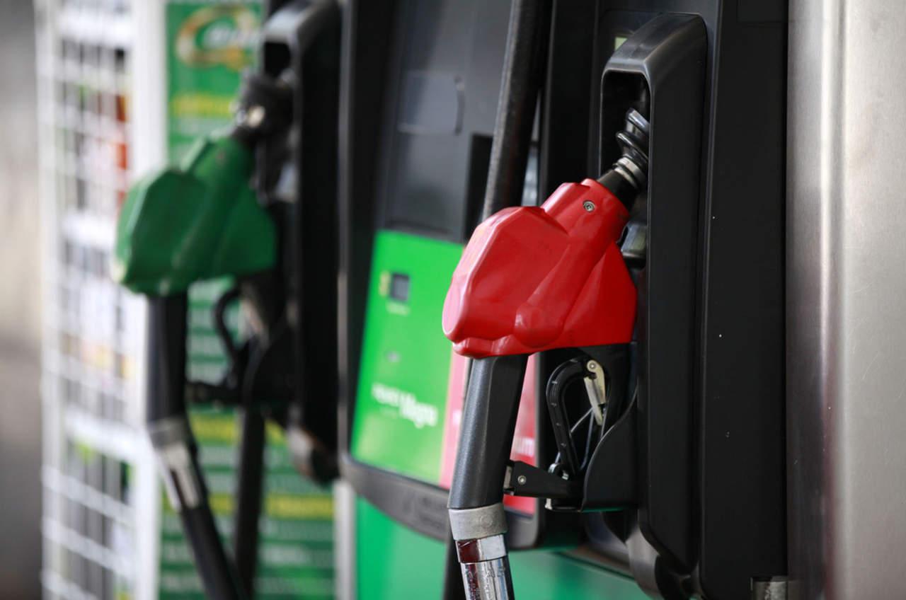 Gasolinas suman 10 meses al alza en México