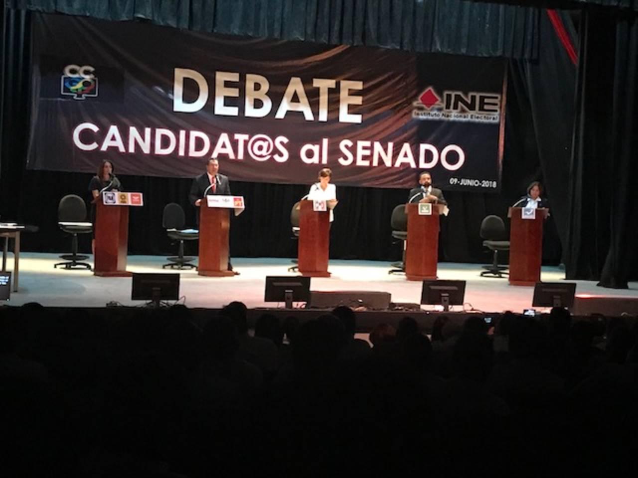 Candidatos al senado debaten y se atacan